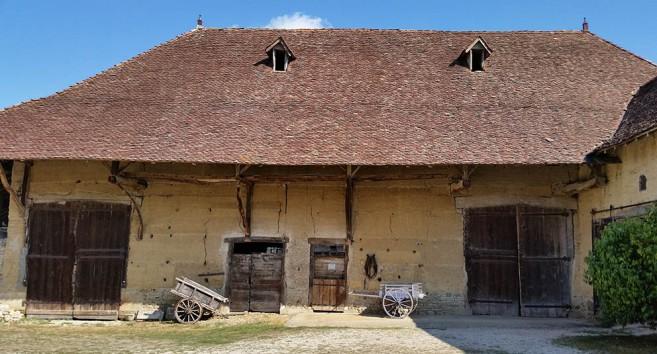 IG Lehm On Tour Dauphiné: historische Stampflehmgebäude
